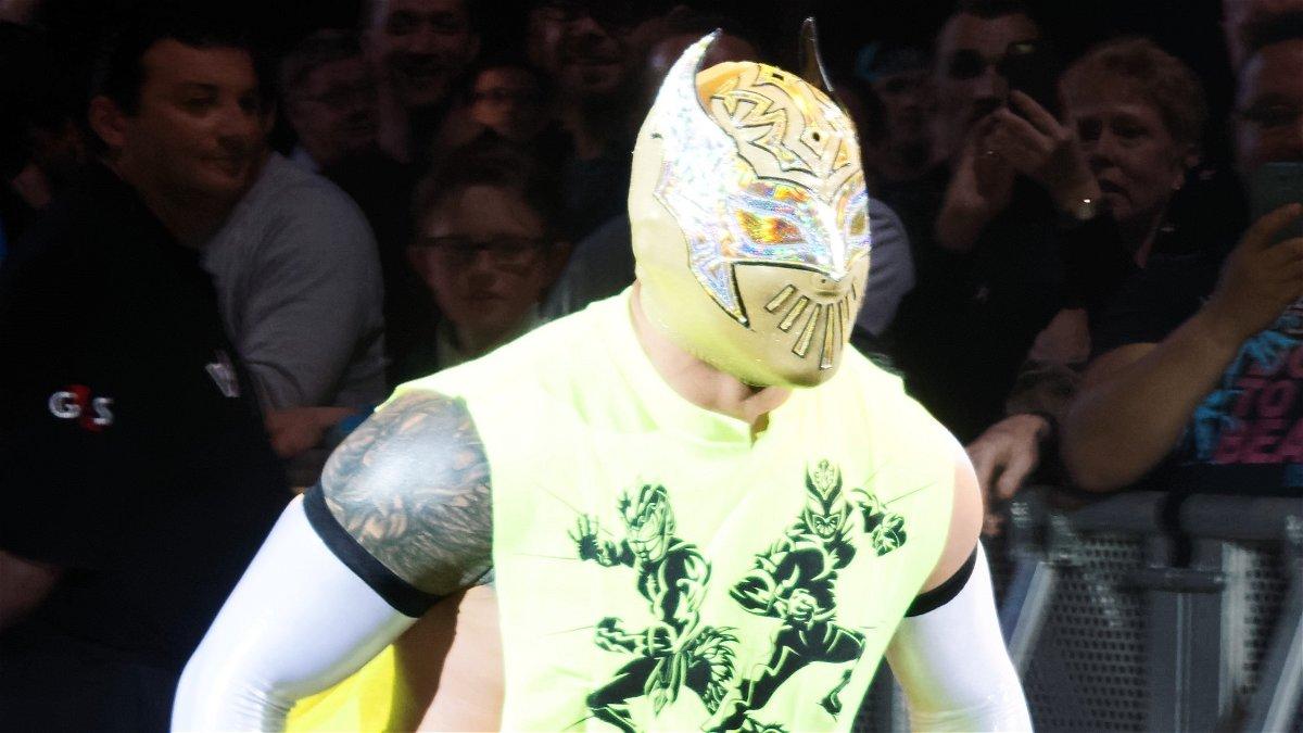 WWE_Live_Sin-Cara