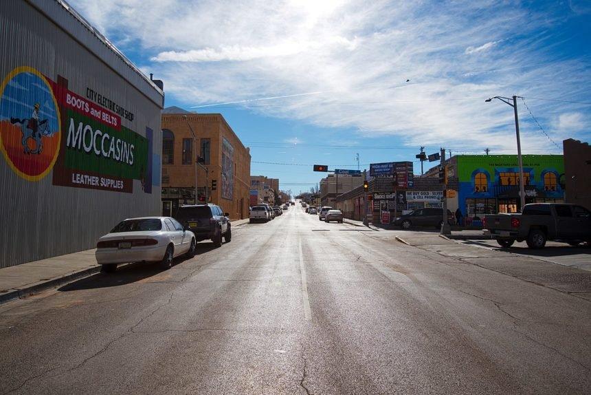 Gallup_NM_south_3rd_street