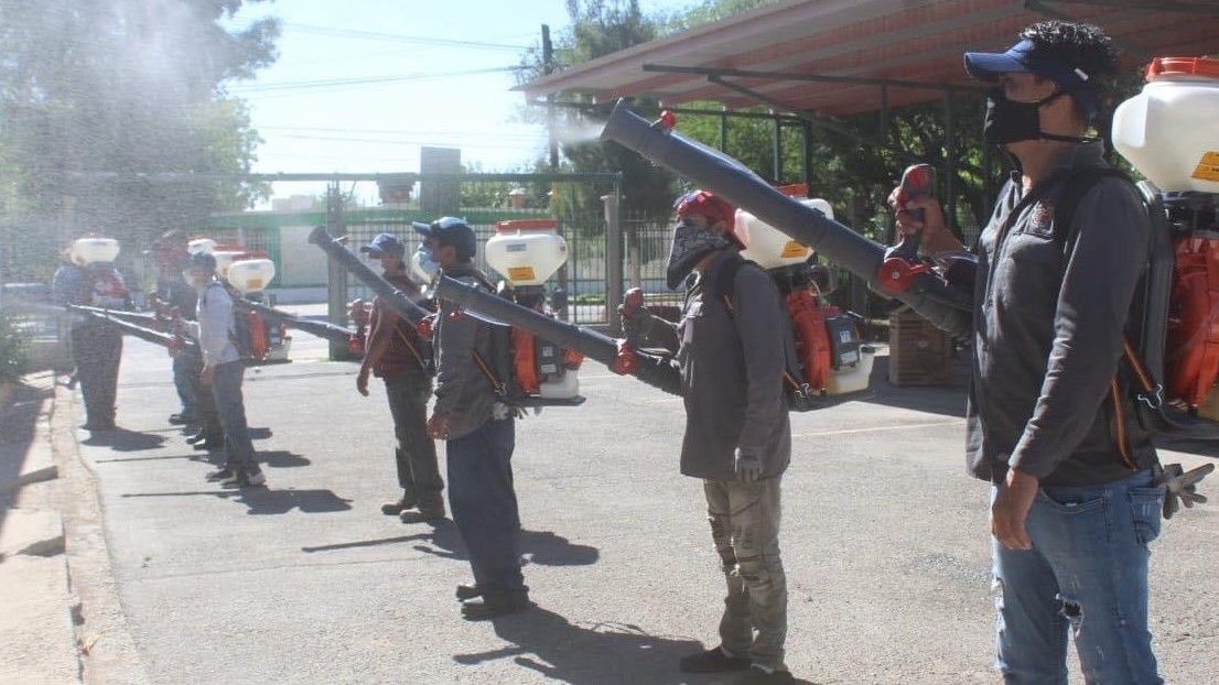 juarez-spraying-team