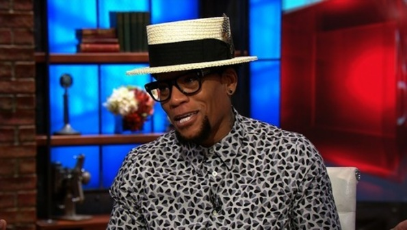 Comic D.L Hughley collapses on stage, tests positive for