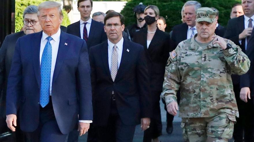 trump-church-walk