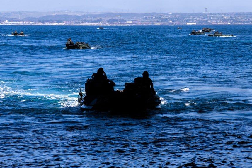 marines amphibious vehicles