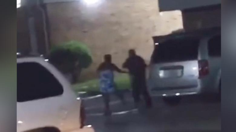 tx-woman-and-police-officer