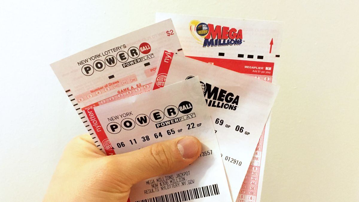 Lotto Fever Sweeps The Nation No Winner Of Mega Millions 750m Powerball 640m Drawing Saturday Kvia