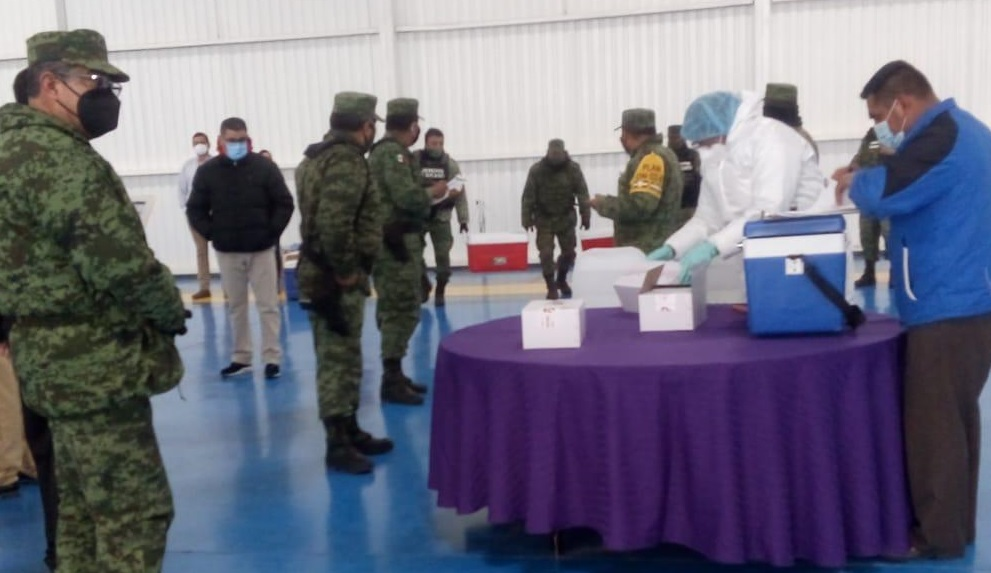 Mexican military delivers vaccines for seniors to the state of Chihuahua.