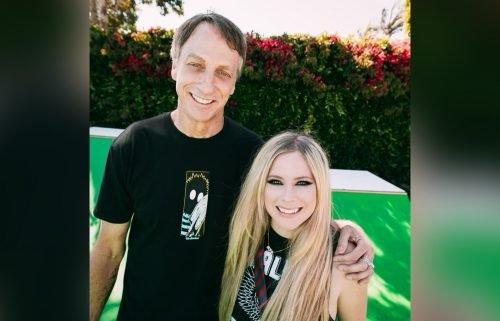 Skateboarder Tony Hawk appears in Avril Lavigne's first TikTok