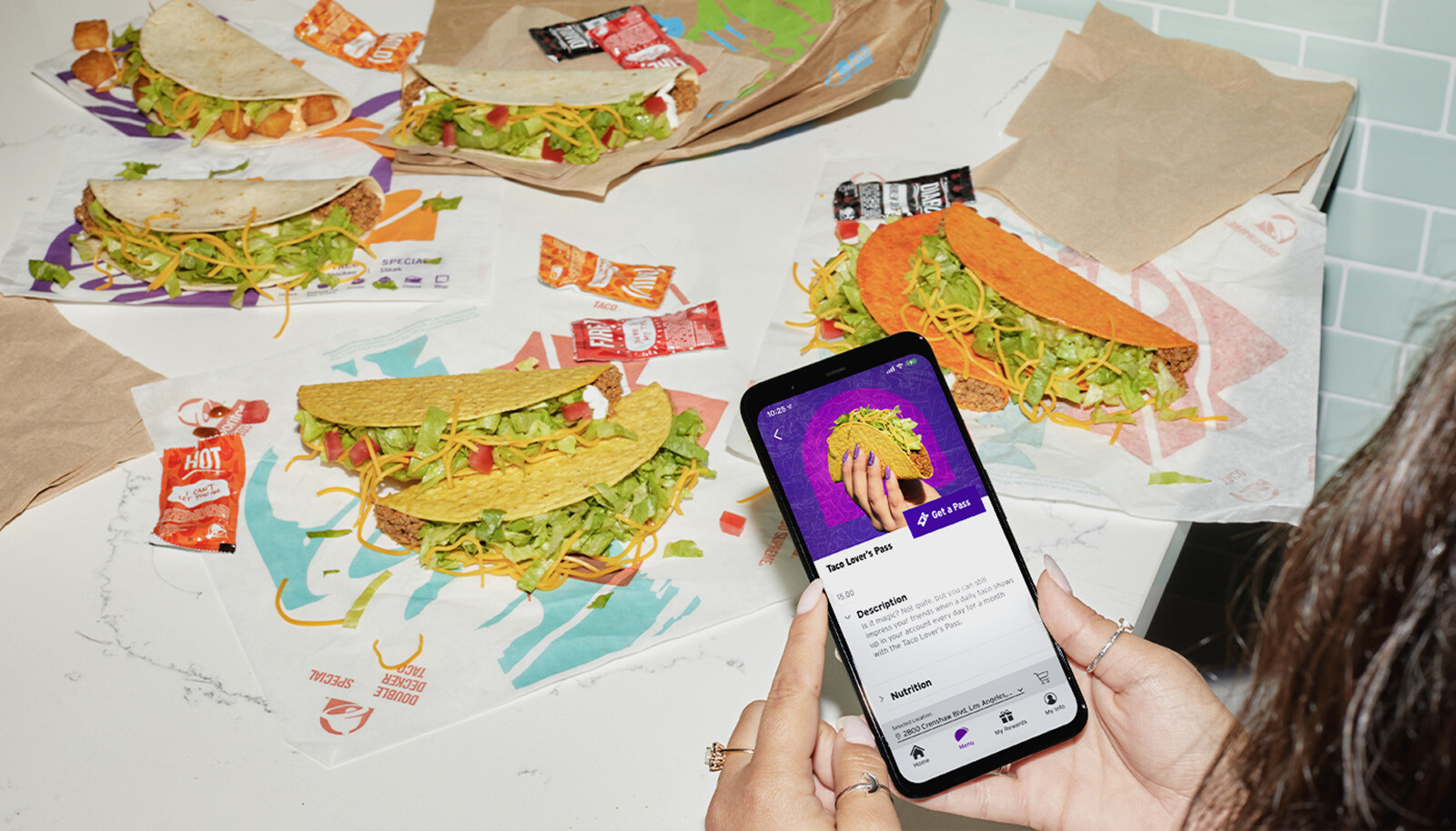 <i>Taco Bell</i><br/>Taco Bell is testng a subscription service.